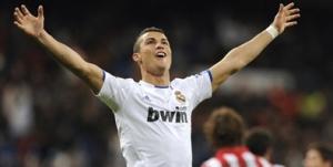 Cristiano Ronaldo marco en la victoria blanca y se quedo a un gol de Raúl como maximo artillero de Europa.