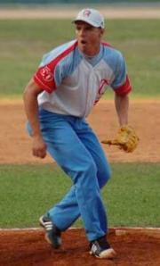Yadir Rabí obtiene su primera victoria de la serie.