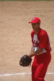 Alain Román la figura de Ciego de Ávila en el nacional de softbol.